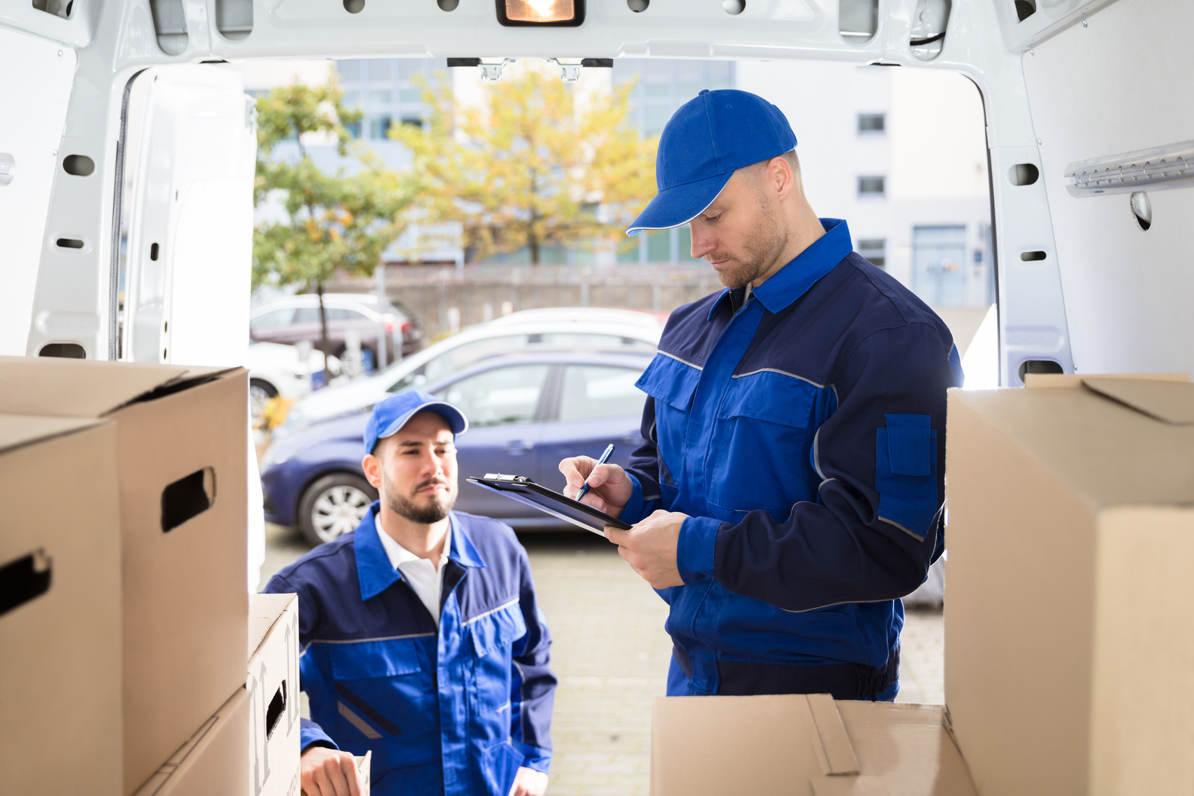Why to Work with Professional Moving Companies